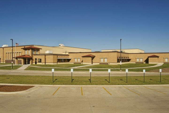 ERIE_KS_HIGH_SCHOOL_EXTERIOR_FEATURED_IMAGE