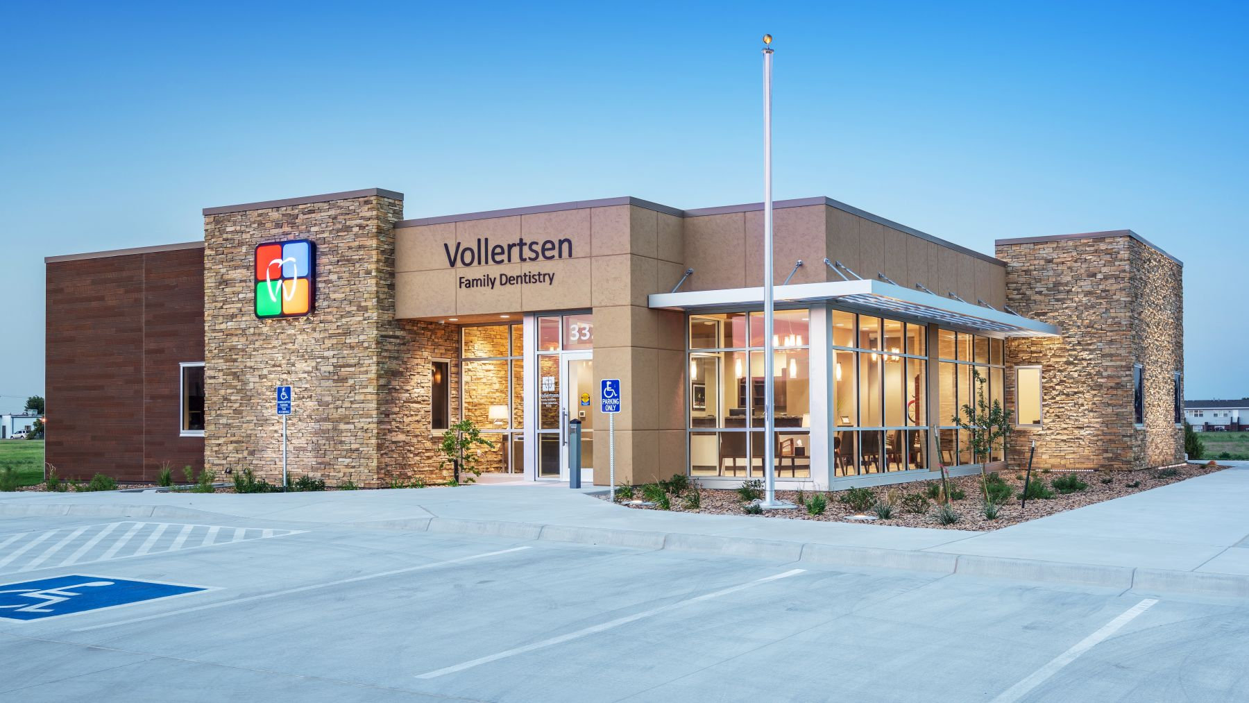Vollertsen_Family_Dentistry_Exterior_2_Featured_Website_Image_1800